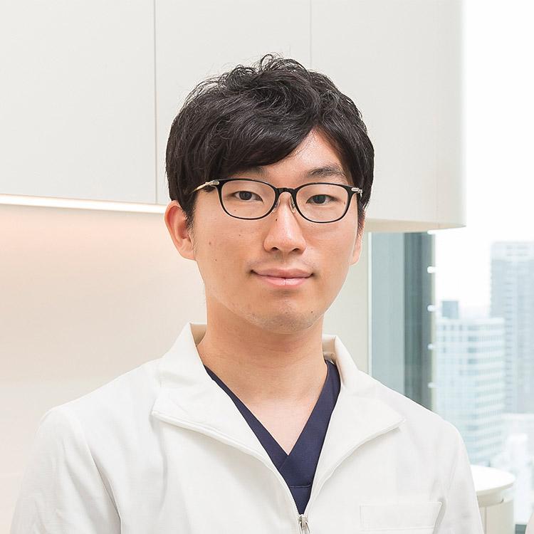 歯科医師 徳山